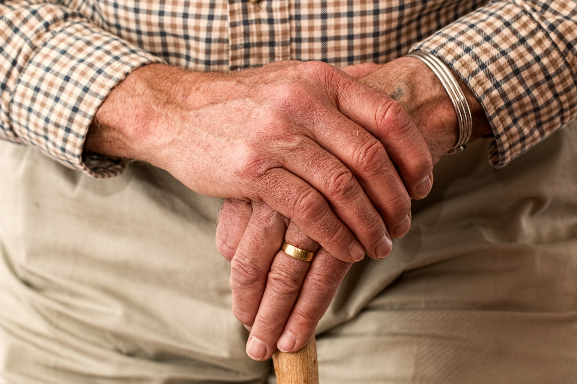 elder abuse old hands
